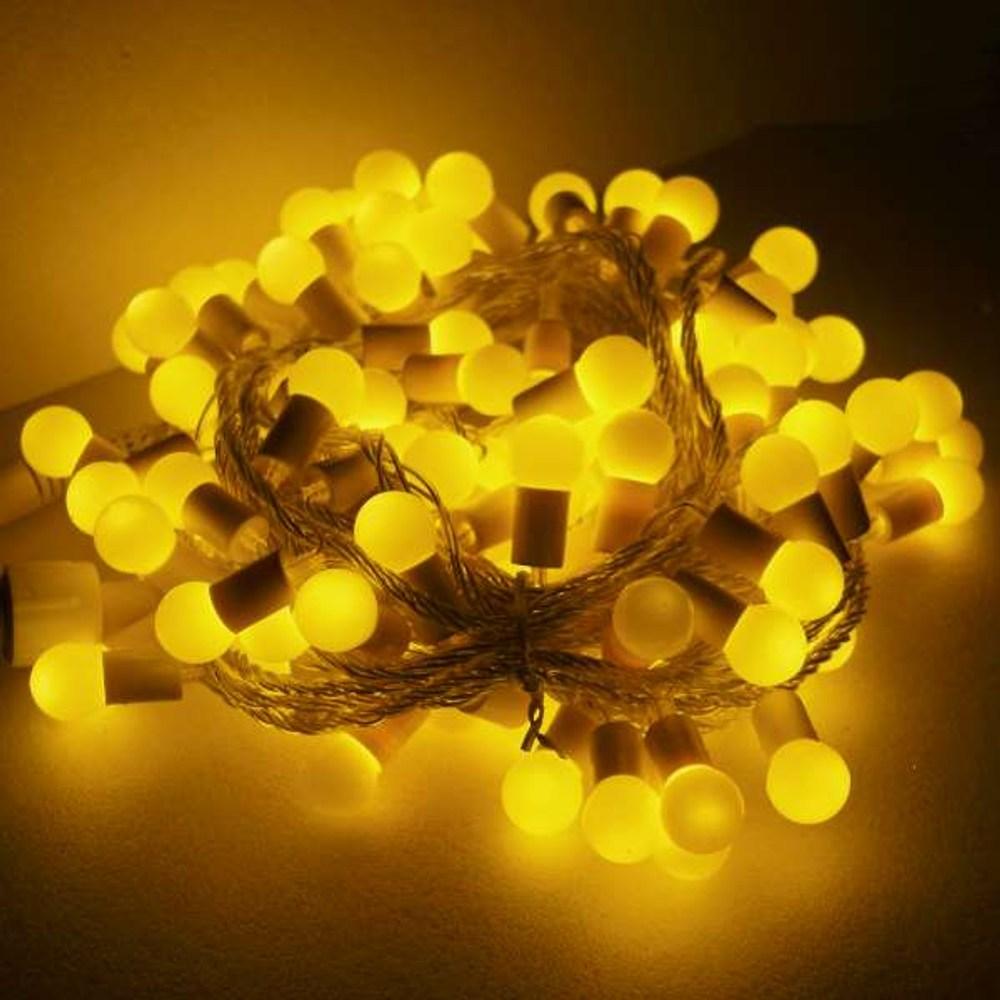 摩達客 聖誕燈100燈LED圓球珍珠燈串(插電式/暖白光/透明線)