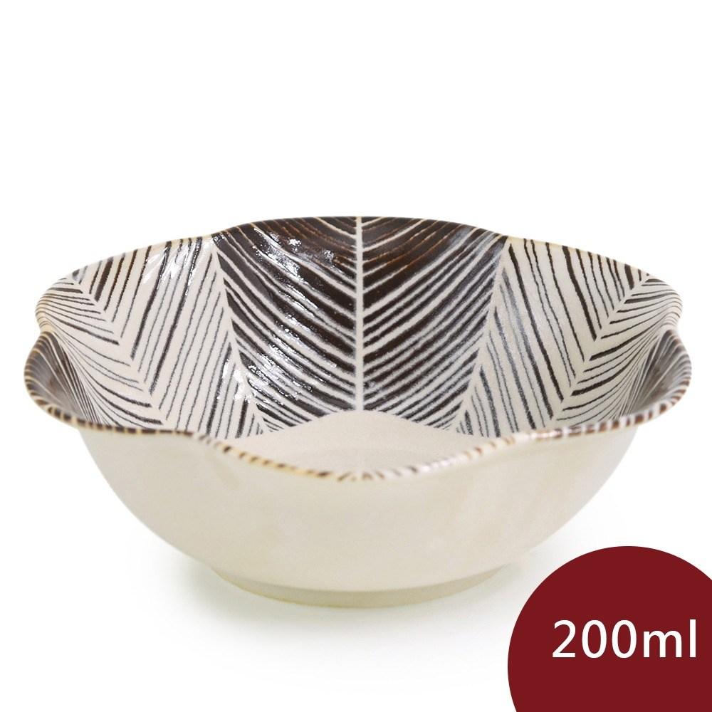 Natural69 波佐見燒 粉引釉 六方押 花形餐碗 羽根200ml