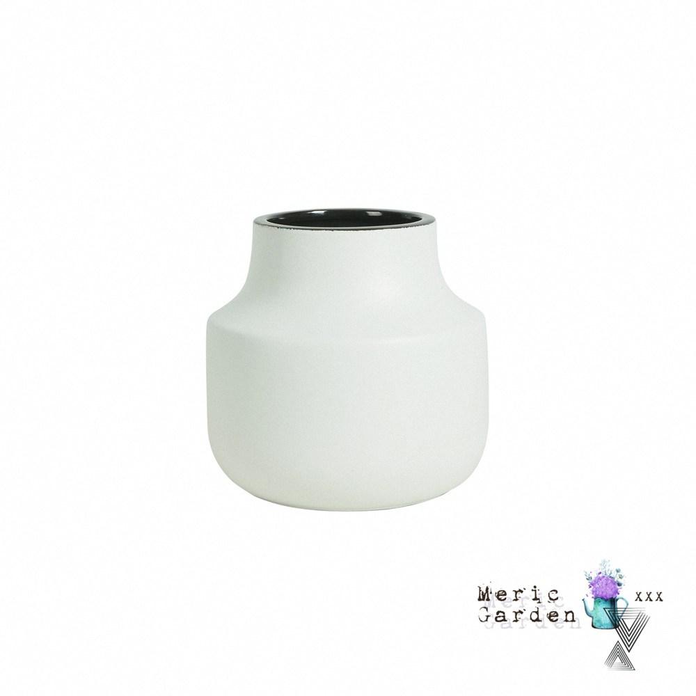 【Meric Garden】日式創意啞光釉陶瓷花瓶/花器_莫蘭迪奶白S