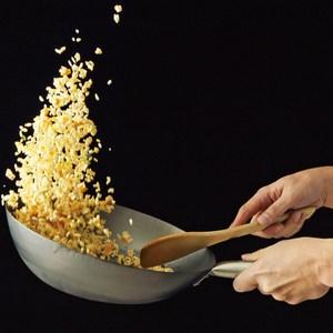 日本《山田工業所》手工拓打鐵鍋HANAKO鈦手把中華鐵炒鍋30cm