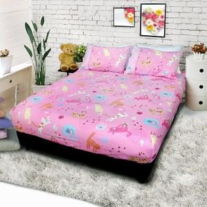 【FITNESS】精梳棉雙人床包+枕套三件組- 貓線球(藍/粉/黃)粉