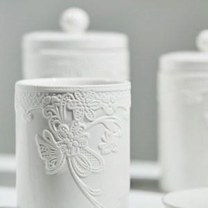 MATHILDE M.白瓷浮雕盛物器皿-置物罐/潄口杯