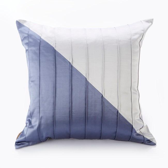 【Finara 費納拉】凱文貝克-魅力灰藍-設計師款抱枕