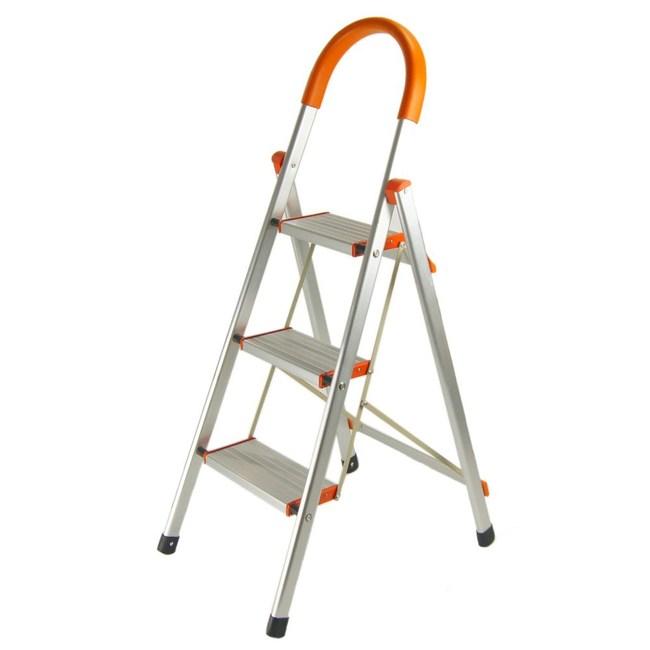 TRENY 加寬鋁製三階扶手梯
