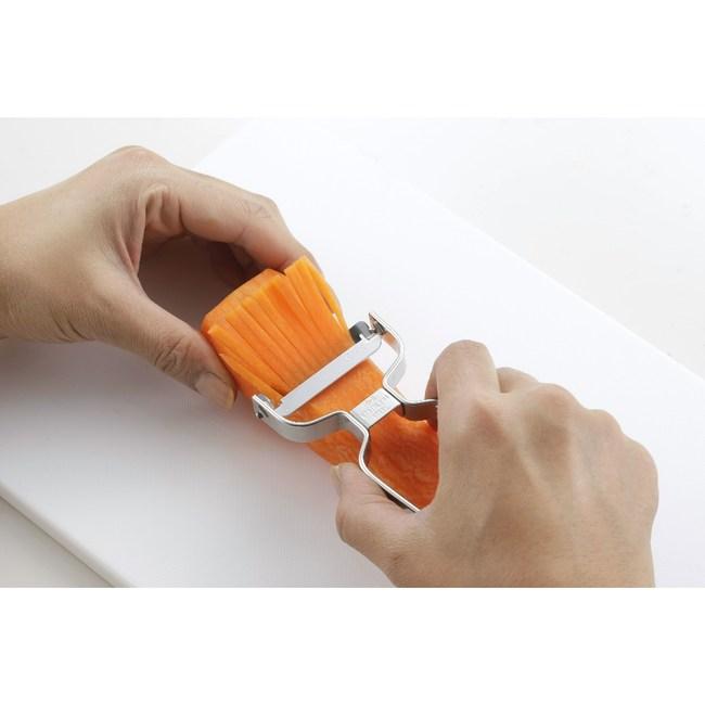 日本《下村企販》304全不鏽鋼製刨絲刀