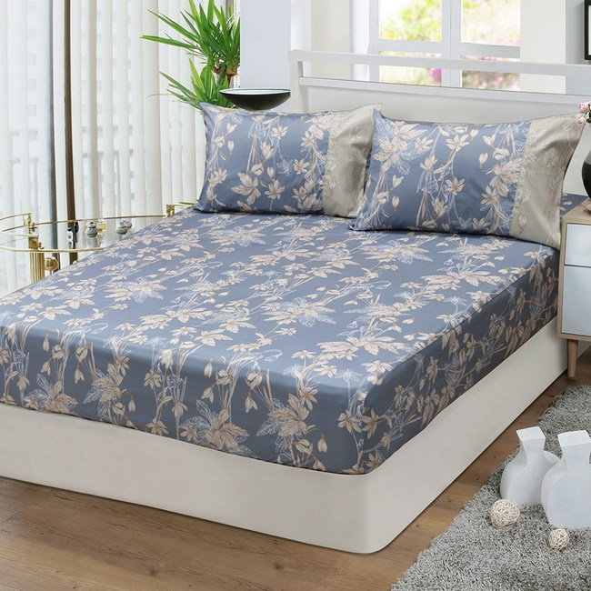 【FITNESS】精梳棉雙人床包枕套三件組-緲緲煙花(灰藍)5*6.2