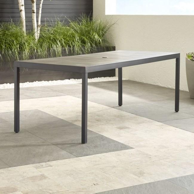 Crate&Barrel Alfresco II 戶外長型餐桌