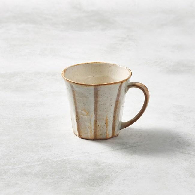 【有種創意】日本美濃燒 - 寬耳馬克杯 - 白底線條