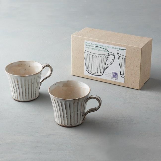 【有種創意】日本美濃燒 - 粉引雕紋馬克對杯禮盒組(2件式)