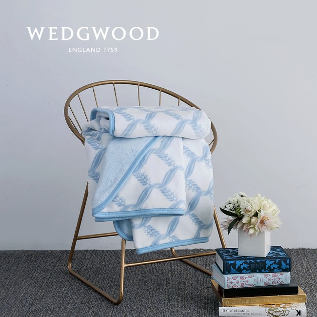WEDGWOOD 桂冠之舞超細纖維印花旅行毯 (白)
