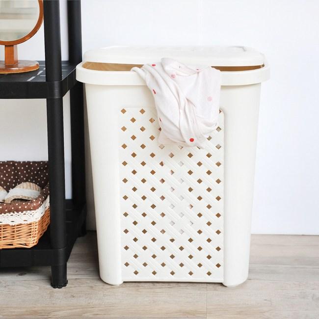 古典藤蔓附蓋洗衣籃(57公升)米白