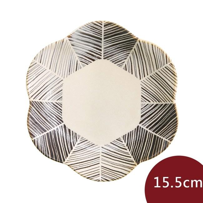 Natural69 波佐見燒  粉引釉 六方押 花形淺盤 羽根15.5