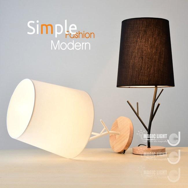 【光的魔法師】原木造型小樹桌燈白色