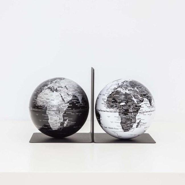 SkyGlobe 5吋磁鐵書架地球儀(黑海銀陸地/白海黑陸地)(英文版