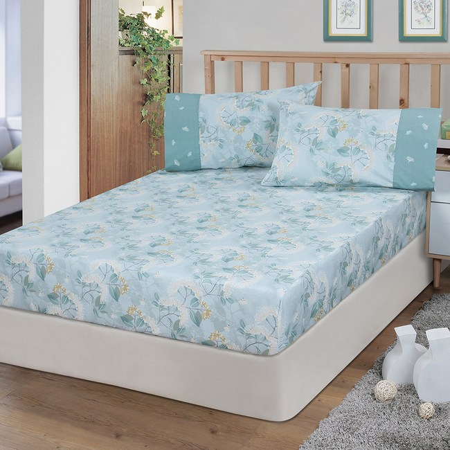 【FITNESS】精梳棉雙人床包+枕套三件組-蒲花戀曲(綠)